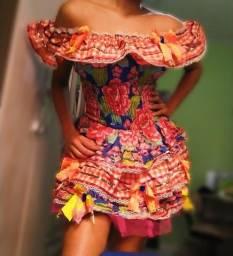 Vendou ou alugo vestido Junino adulto