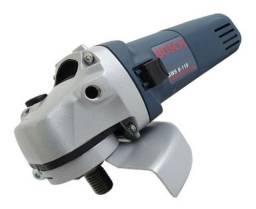 A Esmerilhadeira Angular Bosch 670W e tensão 220V