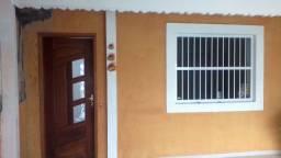 Vendo casa térrea recém reformada a 400 mts da praia 2 dorms direto com r