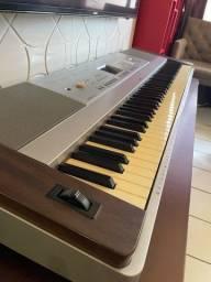Título do anúncio: Piano eletrico yamaha dgx 640