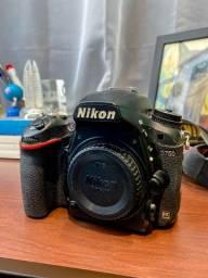 Nikon D750, 2 baterias, case e carregador.