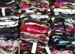 Lote de roupa e calçado usado