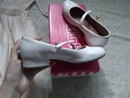 Título do anúncio: Sapato boneca branco
