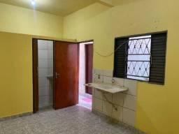 Kitnet com banheiro