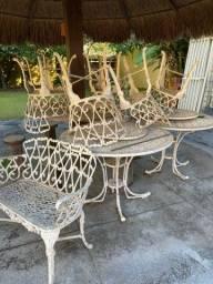 Conjunto de mesa de ferro fundido