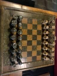 Tabuleiro jogo de xadrez em pedra (anos 70)