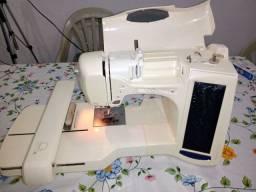 Máquina de Bordar Brother ULT 2001. R$ 1.000,00 reais fora frete.