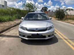 Honda Civic LXR 2.0 c/ multimídia
