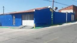 Casa de Esquina no Bairro Tijucal