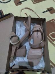 Vendo lindo sapato