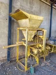 Maquina de Blocos Usada com formas