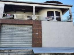 Excelente casa de 5/4 , duplex, com ponto comercial para aluguel