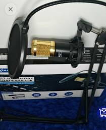 Microfone condensador de estúdio