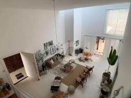 Título do anúncio: Magnifica residência com 2 andares, 4 suítes, mobiliada em condomínio fechado com lazer co