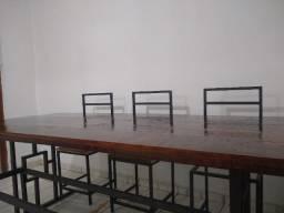 Mesa de madeira grande R$780.°° 8 a 10 pessoas