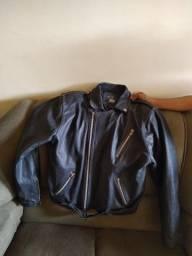 Jaqueta de couro ( usada pouquíssimas vezes)