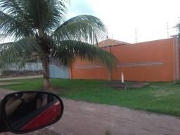 Alugo uma excelente casa na Av. Principal do Residencial Santo Afonso (contato *)