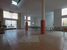 Loja com 200 metros com Salão amplo Cozinha profissional com Gás Canalizado, Bairro Planal