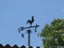Galo da Rosa dos Ventos em Ferro Forjado na CasaDeFerro!