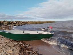Título do anúncio: Barco de fibra 3.60 m com motor
