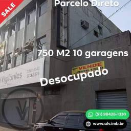 Prédio com garagem na Ramiro Barcellos