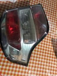 Lanterna esquerda Agile