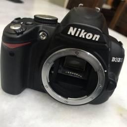 Nikon D3000 para tirar peças