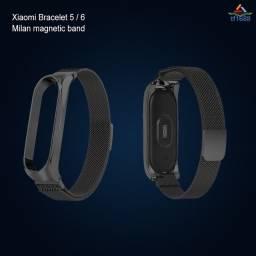 Título do anúncio: Pulseira Smart De Aço Inoxidável Com Laço Magnético Para Mi Band 5 / 6 / T16