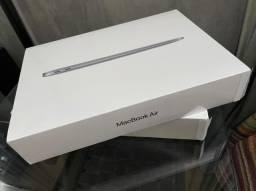 """Macbook Air 13"""" Core i5, 8gb, 512ssd Space Lacrado (2020) - Em ate 12x"""