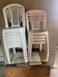 Título do anúncio: Vendo cadeira plástica
