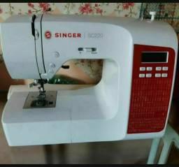 Título do anúncio: IMPERDÍVEL !! Máquina de Costura  Singer SC 220
