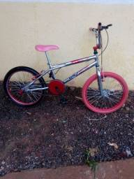 Bicicleta aro 20 semi nova preço: 600 reais