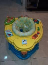Centro de atividades infantil em ótimo estado