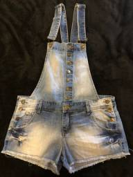 Jardineira shorts curto