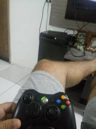 Xbox 360 travado com 1 controle 1 jogo manicreft  zap *21