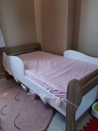 Vendo mini cama com colchão