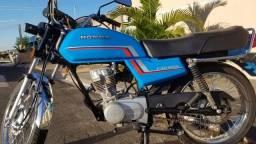 Título do anúncio: Moto CG 125. ano 84.