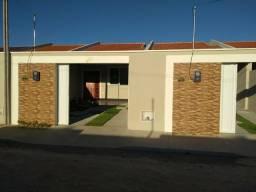 Casa plana 02 Dormitórios ótima localização na região de Messejana !