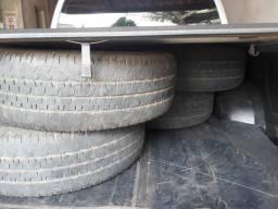 Vendo04 pneus usados