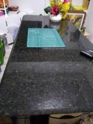 Mesa de granito verde Ubatuba