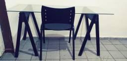 Escrivaninha com cadeira um metro e meio de comprimento