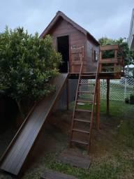 Casinha de madeira para crianças