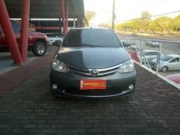Etios 1.5 LXS Hatch 2014 - 2014