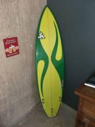 """Vendo Prancha de Surf 6'2"""" com Capa"""
