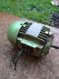 motor trifasico 1/2 cv