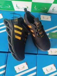 Adidas Maverick Black Gold (PROMOÇÃO)