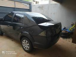 Vendo Fiesta Sedan urgente