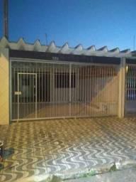 Casa 3 dormitórios no bairro do Maracanã mirim lado Praia !!