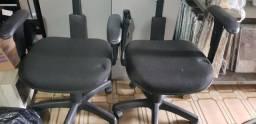 Duas Cadeiras de Escritório C/Rodinha de Tecido no Estado