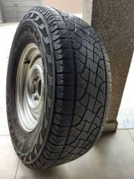 Vendo 01 roda com pneu D20 265/70/16